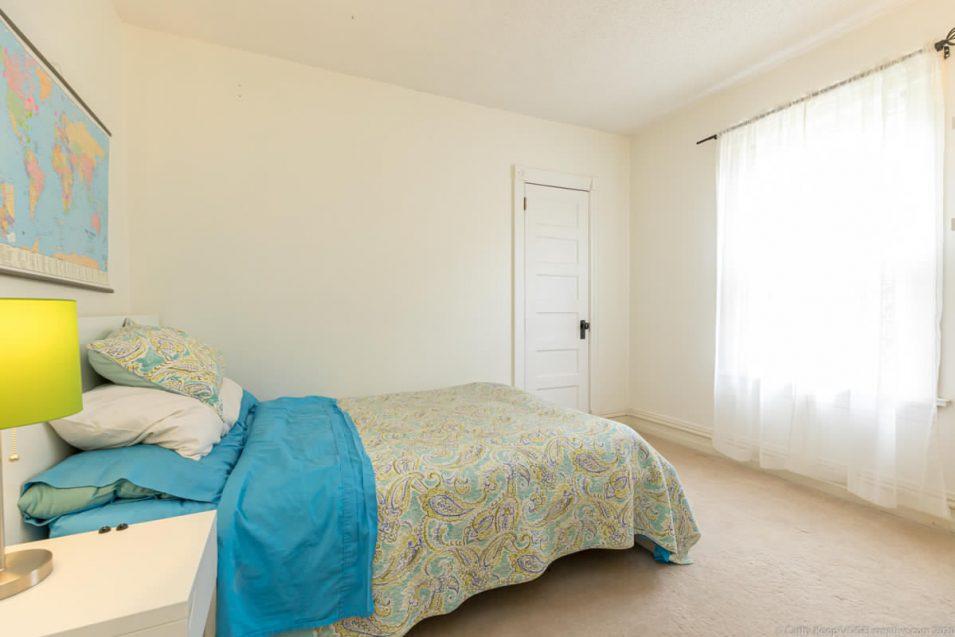 Second guest bedroom at 164 Duke Street, Hamilton