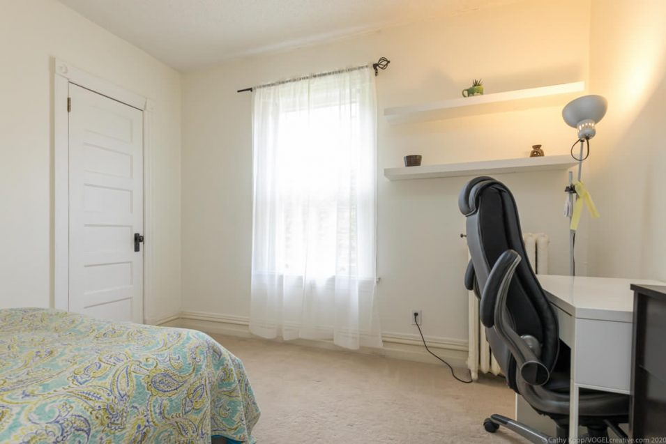 Second guest bedroom and office desk at 164 Duke Street, Hamilton